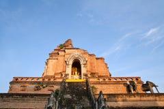 De tempel van Chedi luang stock foto's