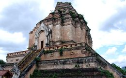 De tempel van Chedi Luang van Wat stock fotografie