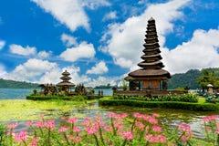 De tempel van Danu Bratan van Ulun Stock Foto's