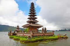 De tempel van het water Stock Afbeeldingen