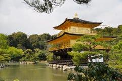 De tempel van Kinkakuji, Kyoto Stock Foto's