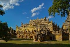 De tempel van Maha Aungmye Bonzan-klooster Stock Foto's