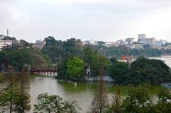 De Tempel van de Ncogzoon in het meer van Hoan Kiem in Hanoi Vietnam royalty-vrije stock afbeeldingen