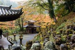 De Tempel van Otaginenbutsu -nenbutsu-ji, Kyoto, Japan Royalty-vrije Stock Foto's