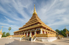 De tempel van Phramahathat Kaen Nakhon (of Phra die Nong Waeng) - Tha Stock Foto
