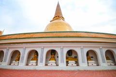 De tempel van Phrapathom Chedi in de Provincie van Nakhon Pathom, Thailand. Stock Fotografie