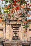 De tempel van Prasatmuang Tam in Buriram op Thailand Stock Foto