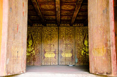 De tempel van Saket van het beeldhouwwerkontwerp is een oude Boeddhistische tempel in Vientiane Stock Foto