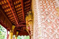 De tempel van Saket van het beeldhouwwerkontwerp is een oude Boeddhistische tempel in Vientiane Stock Afbeelding