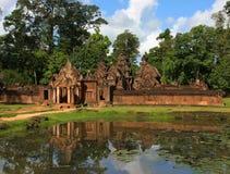 De Tempel van Srei van Banteay. Angkor. Siem oogst, Kambodja. royalty-vrije stock afbeelding