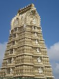 De Tempel van Srichamundeshwari bij Chamundi-Heuvel in Mysore royalty-vrije stock afbeeldingen