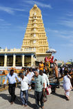De tempel van Srichamundeswari op de bovenkant van Chamundi-Heuvelheuvel royalty-vrije stock afbeeldingen