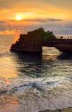 De Tempel van de Tanahpartij op Overzees in het Eiland Indonesië van Bali Royalty-vrije Stock Afbeeldingen