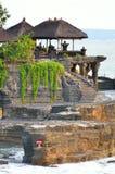 De Tempel van de Tanahpartij op Overzees in het Eiland Indonesië van Bali Royalty-vrije Stock Foto's