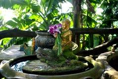 In de tempel van Thailand Stock Afbeeldingen