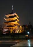 De Tempel van Toji bij Nacht - Kyoto, Japan Stock Foto