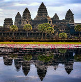 De Tempel van Wat van Angkor in Kambodja stock foto's