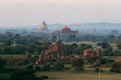De Tempels en Pagoden van Bagan Pagan hierboven worden de gezien van, Mandalay dat, Myanmar royalty-vrije stock fotografie