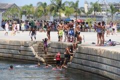 De temperaturen in Rio de Janeiro blijven boven 40 graden Stock Foto