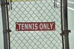 De tennisbaan voor kiest of verdubbelt Spel uit royalty-vrije stock foto