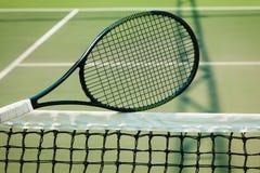De tennisbal op een tennisbaan Royalty-vrije Stock Foto