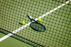 De tennisbal op een tennisbaan Royalty-vrije Stock Fotografie