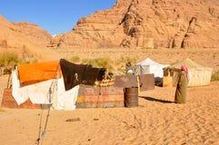 De tent van Berber in de woestijn van de Rum van de Wadi stock foto