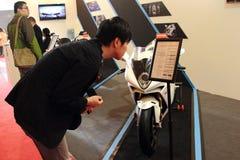 De tentoonstelling van Shanghai Expo van luxe die in Augusta motorfiets leven Royalty-vrije Stock Foto's