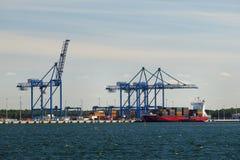 De terminal van de container Stock Afbeeldingen