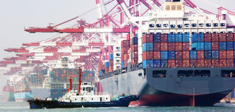De terminal van de de havencontainer van China Qingdao stock afbeelding