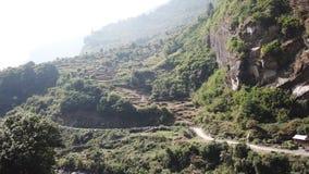 De terrasvormige landbouw in Nepal Trek van de Kring van Annapurna stock videobeelden