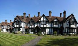 De terrasvormige plattelandshuisjes die van armenhuizen Hertfordshire tring Stock Afbeelding