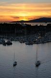 De terugkeer van boten bij zonsondergang Royalty-vrije Stock Afbeeldingen