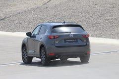 De test-aandrijving van tweede generatie restyled Mazda CX-5 oversteekplaats SUV Royalty-vrije Stock Foto's
