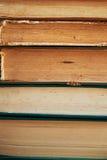 De textuur is een stapel oude boeken Stock Foto