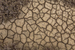 De textuur van de oppervlakte van de aarde die van Dr. is gebarsten Royalty-vrije Stock Foto's