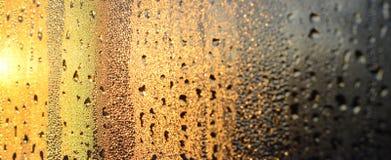 De textuur van misted glas met heel wat dalingen en de druppels van bedriegen royalty-vrije stock foto