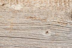 De textuur van natuurlijke oude doorstane houten raad met barstlijnen, krommen, wervelt Close-up Rustieke achtergrond Royalty-vrije Stock Foto