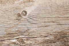 De textuur van natuurlijke oude doorstane houten raad met barstlijnen, krommen, wervelt Close-up Uitstekende achtergrond Royalty-vrije Stock Afbeelding