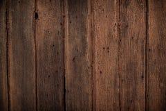 De textuurachtergrond van de bak oude houten lijst, de Natuurlijke gedetailleerde textuur van de plankfoto Textuur in warme rode  Stock Fotografie