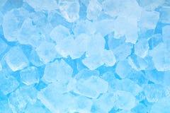 De textuurachtergrond van het de winter koude blauwe ijsblokje Royalty-vrije Stock Afbeeldingen