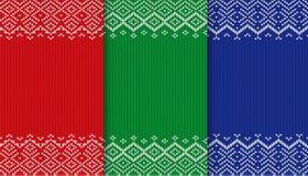 De textuurinzameling van de drie kleurensweater Gebreide Kerstmisachtergrond Rood, groen en blauw geometrisch ornament stock illustratie