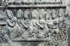 De Thaise antiquiteit van het muurbeeldhouwwerk stock foto's