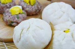 De Thaise broodjes van het stijlvarkensvlees Royalty-vrije Stock Foto's