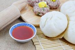 De Thaise broodjes van het stijlvarkensvlees Royalty-vrije Stock Foto
