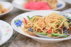 De Thaise keuken van de papajasalade stock fotografie