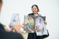 De Thaise mensen treuren over de nalating van Koning Rama 9 Royalty-vrije Stock Foto's
