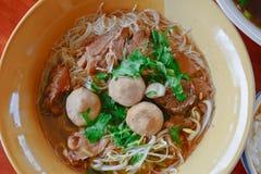 De Thaise noedel van het stijlrundvlees stock afbeelding