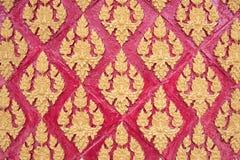 De Thaise stijl van het gipspleisterpatroon op muur Royalty-vrije Stock Afbeeldingen
