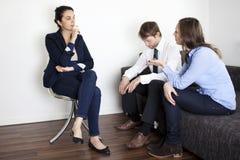De therapiepsychoanalyse van het paar Stock Foto's